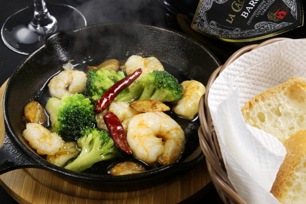 Ryu'z DININGの500円 アヒージョ