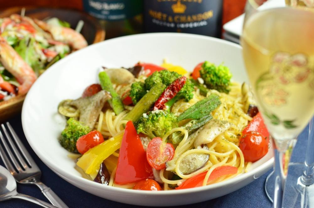旬野菜の特製ペペロンチーノ
